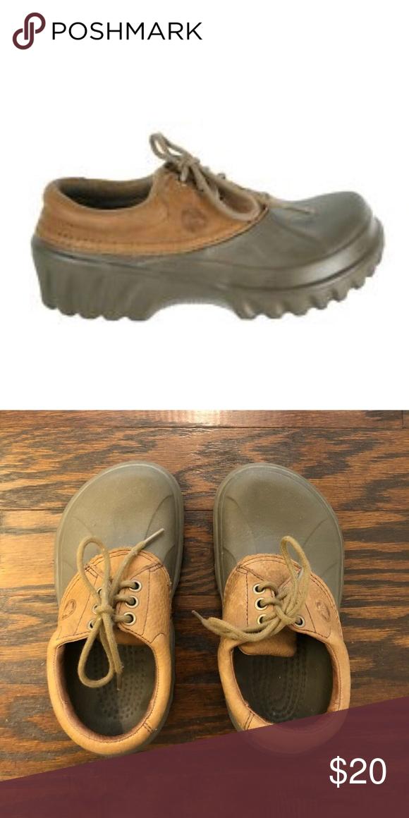 a351d104b9b7 Boys all terrain crocs size 2 Boys crocs size says M2   W4