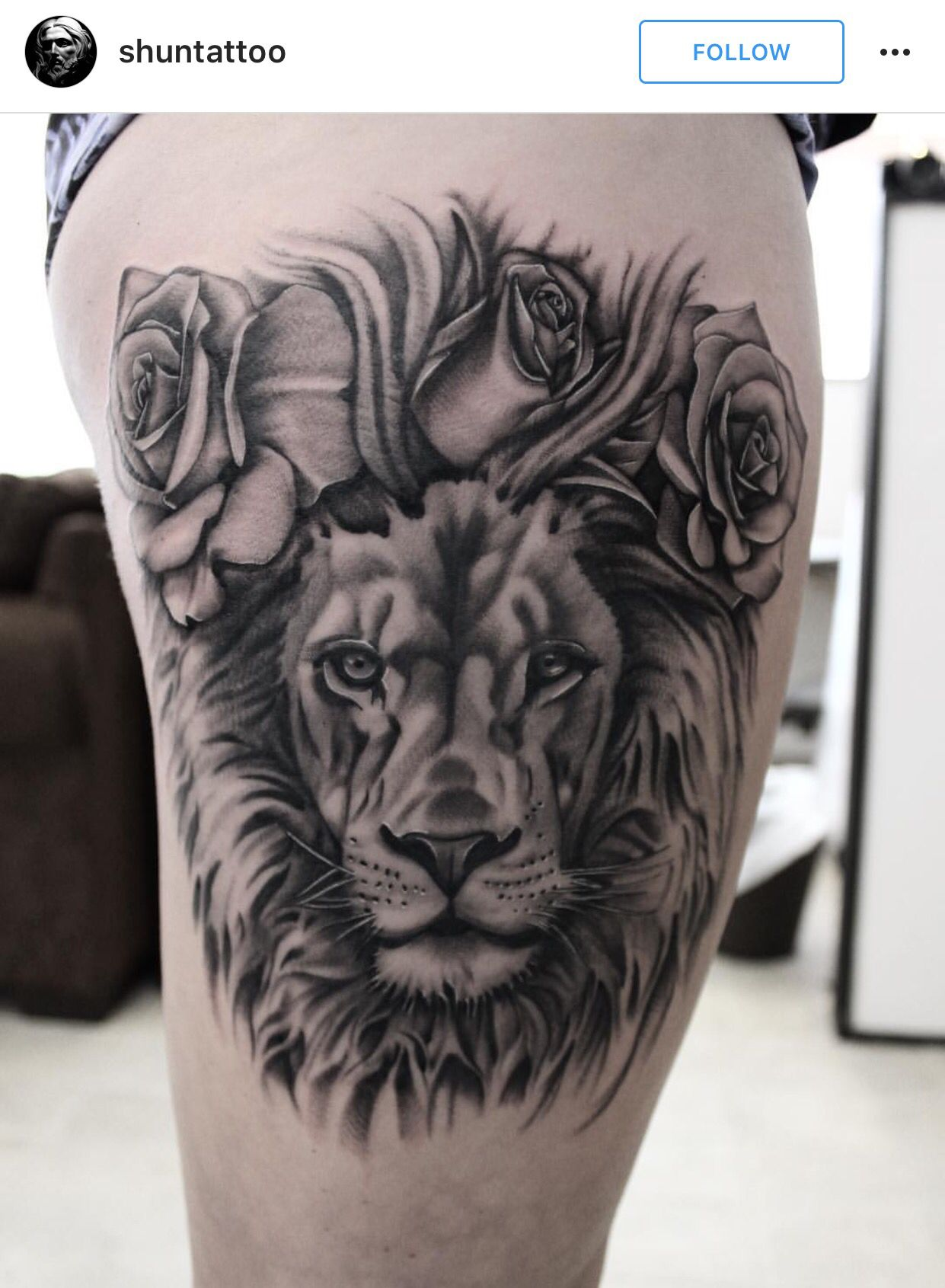 Black And Grey Realistic Lion Tattoo With Roses Realistic Tattoo Sleeve Tattoos Lion And Rose Tattoo