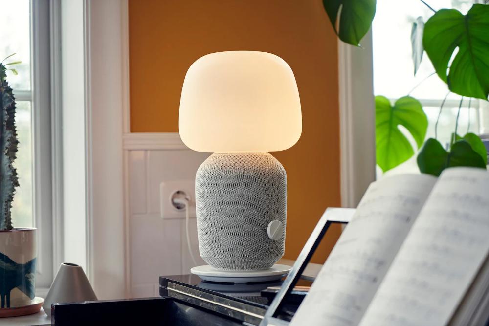 En sød SYMFONISK duet fra IKEA og Sonos | Bordlampe, Ikea