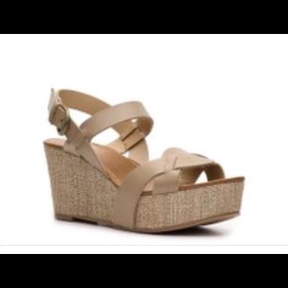 Women's Crown Vintage tan leather wedges Super cute and comfy wedges in neutral color that would look cute with jeans shorts skirts maxis with almost anything they are in great used condition. Left shoe has a small scratch Crown Vintage  Shoes Wedges