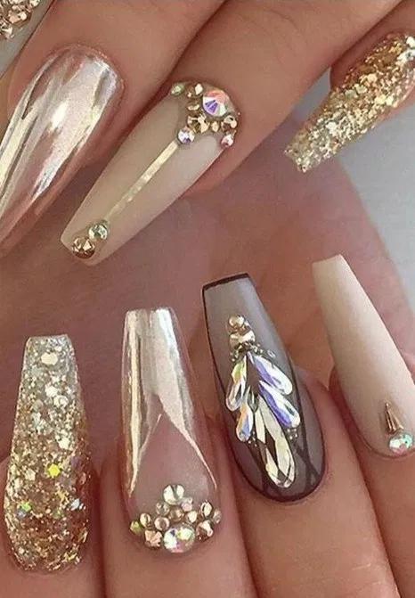 Best Nail Art Designs 36 Best Nail Art Designs 2020 14 Lifestyles In 2020 Black Gold Nails Gold Nails Glamorous Nails