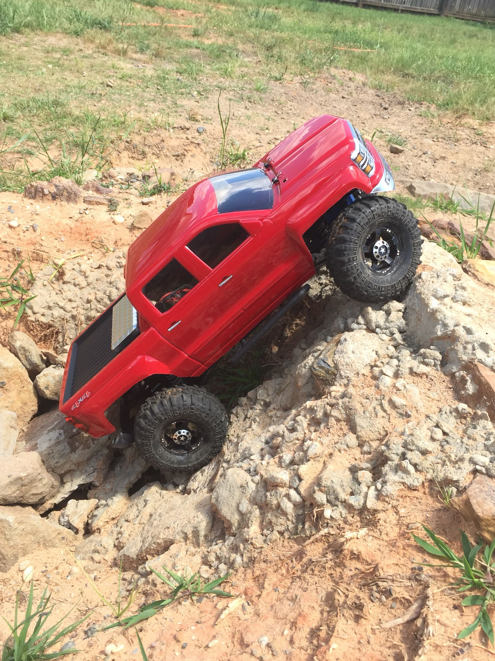 Axial Scx10 Rc With Red 2014 Chevrolet Silverado Body Added Tool Box Bedliner Super Swappers Xls 1 9 Rockstar Rc Cars And Trucks Custom Cars Offroad Jeep