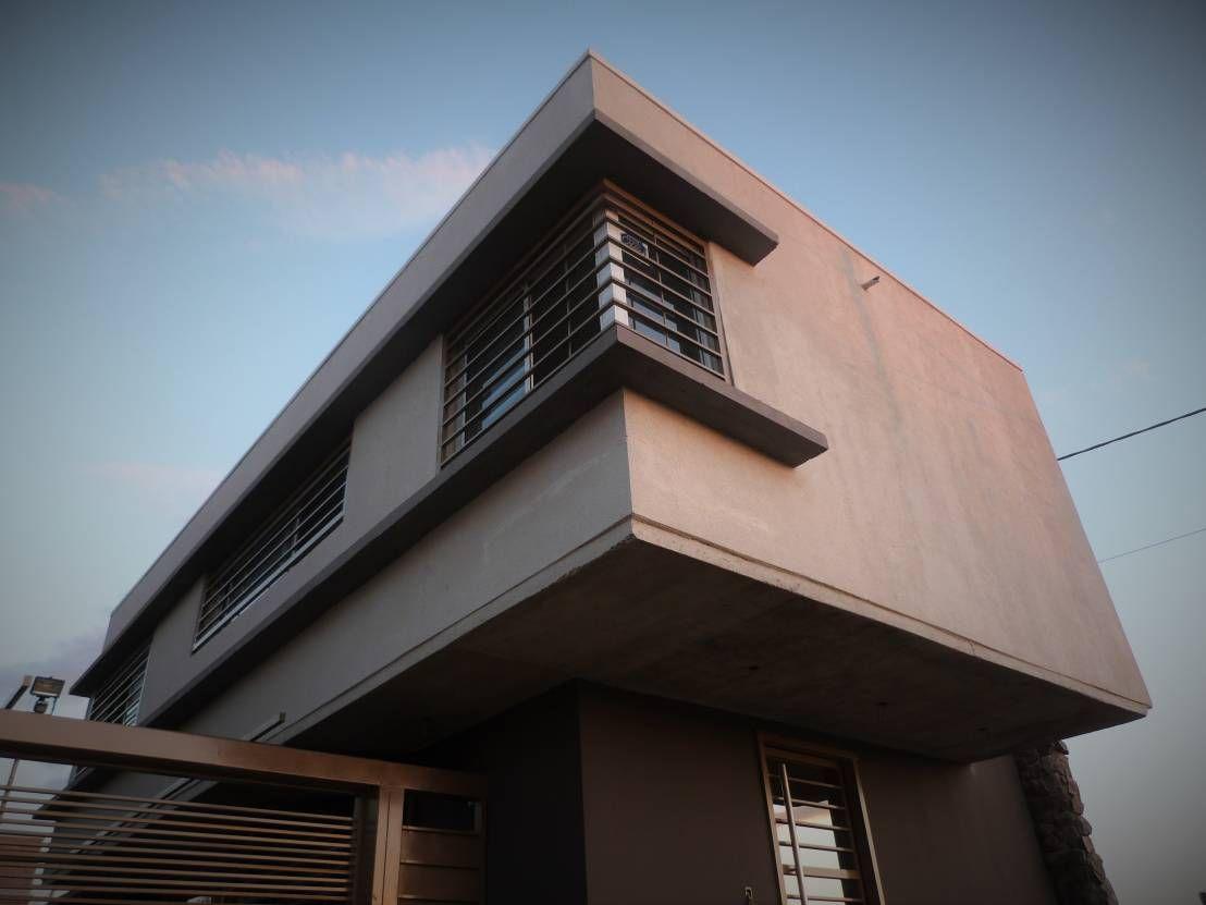 Encontrá las mejores ideas e inspiración para el hogar. Casa HG por Brarda Roda Arquitectos | homify