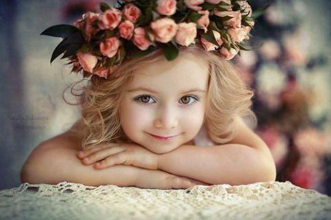 素材 女の子 外国人 可愛い バラ ピンク 2020 画像あり 美しい