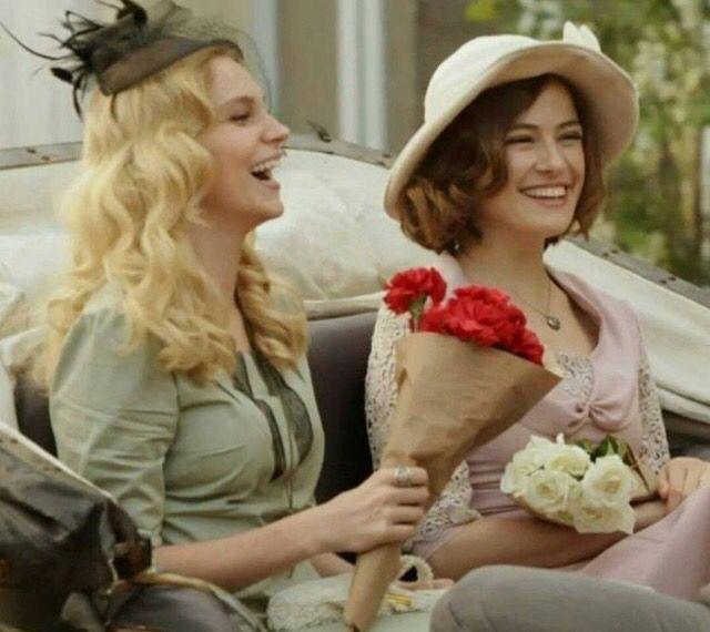 Farah Zeynep Abdullah As Sura With Suda Guven Who Plays Sura S Sister Tina In The Turkish Tv Series Kurt Seyit Ve Sura 2 Celebrities Kurt Seyit And Sura Farah