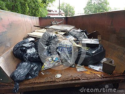 Englewood, New Jersey, USA: Garbage collected from Mackay