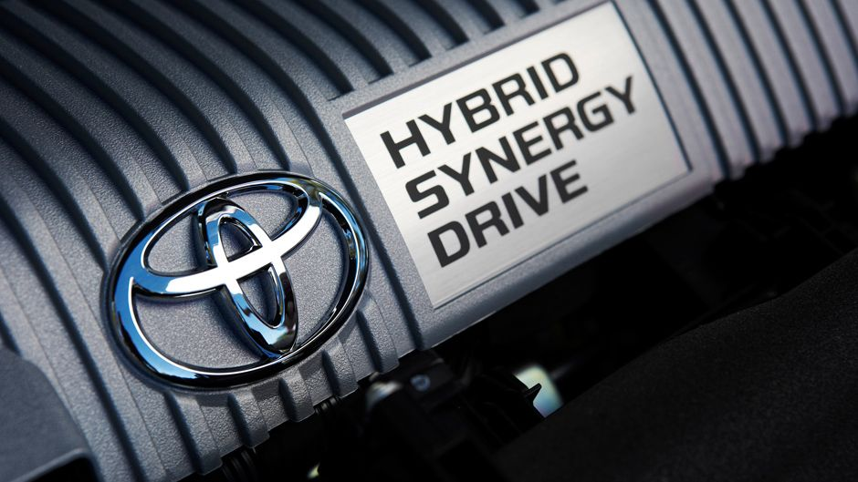 Toyota Prius Features Hybrid Performance