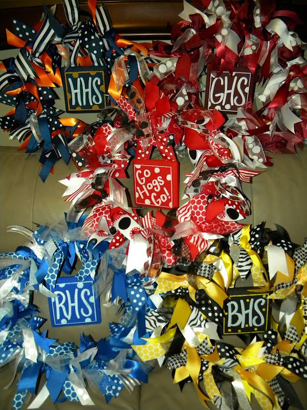 Photo of School Spirit Wreaths … back to school & football, these ribbon wreaths show …