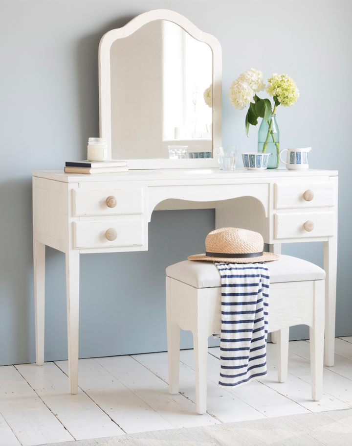 Loaf S White Wooden Dressing Table With Comfy Padded Stool Natural Handles And A Mirror Plus There Are Four Lovely Drawers For Storing Lotions