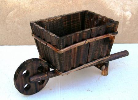 Carretilla manualidades buscar con google manualidades for Carretas de madera para jardin