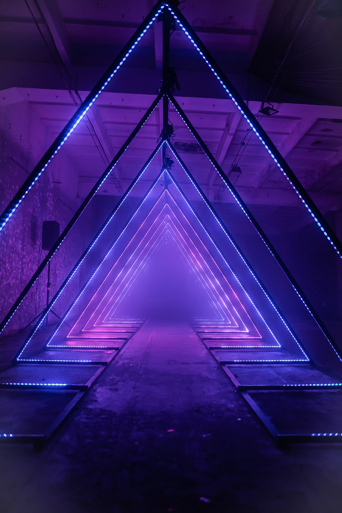 Triangled Immersive Light Installation Set Design In 2019