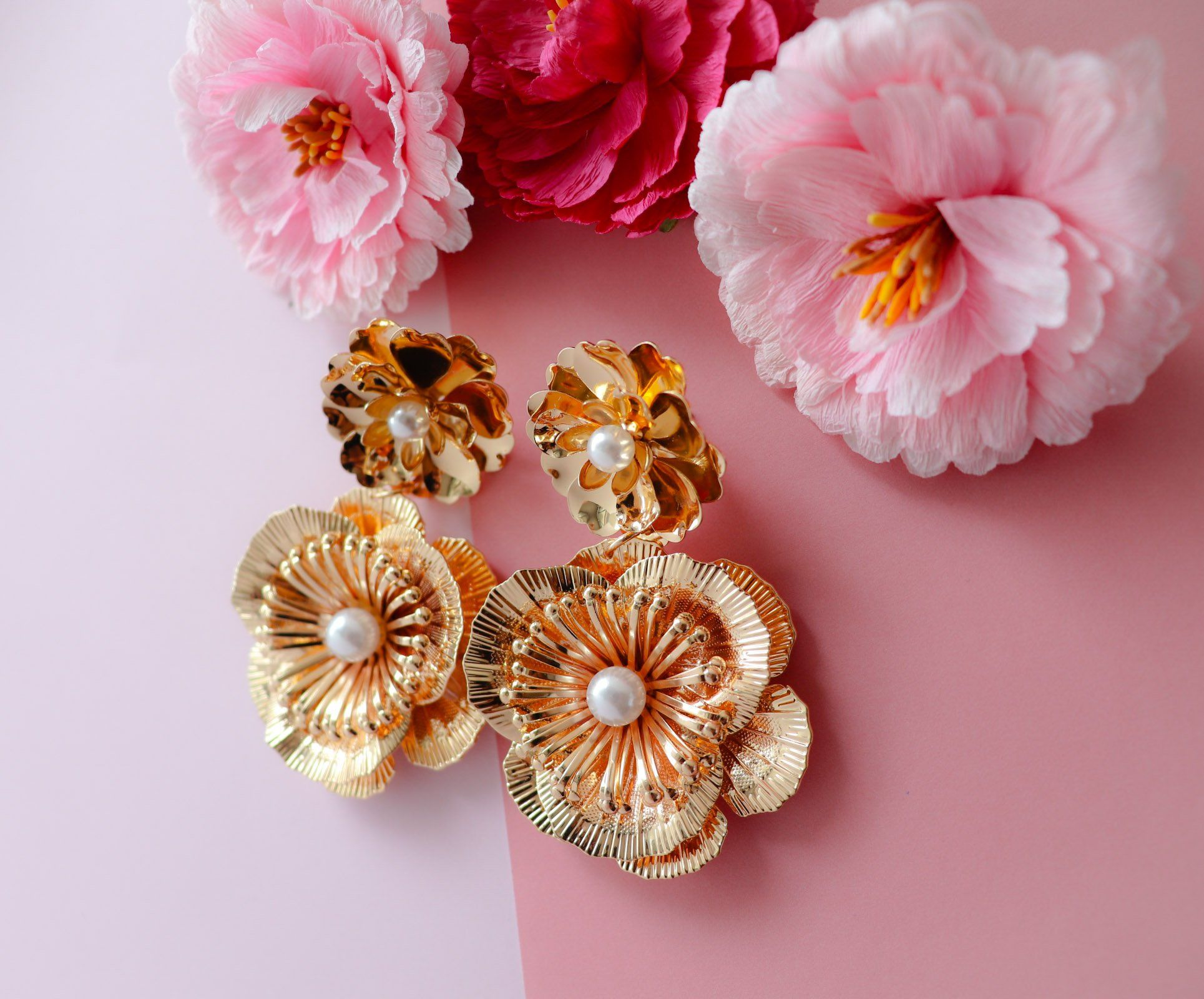 Gold Vintage Metallic Rose Flower Earrings In 2020 Flower Earrings Metal Flowers Bohemian Handmade