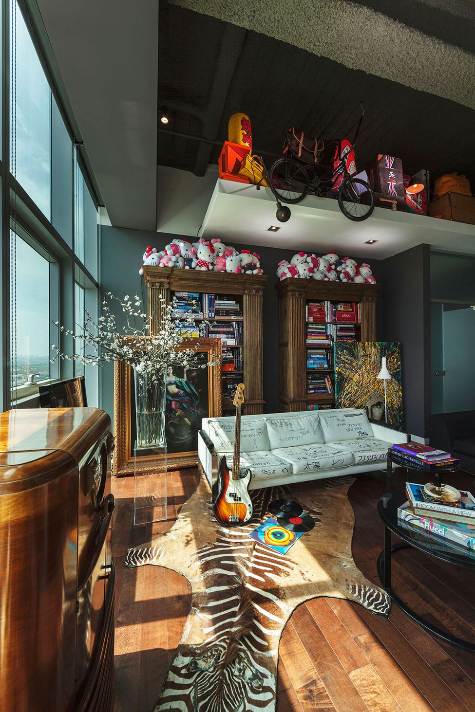 Eclectic Apartment Inspiring Playfulness And Fun In Los Angeles