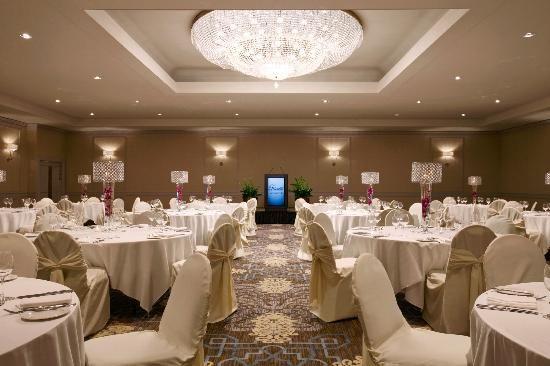 The Fairmont Wellington Room Winnipegwedding Ballroom Wedding