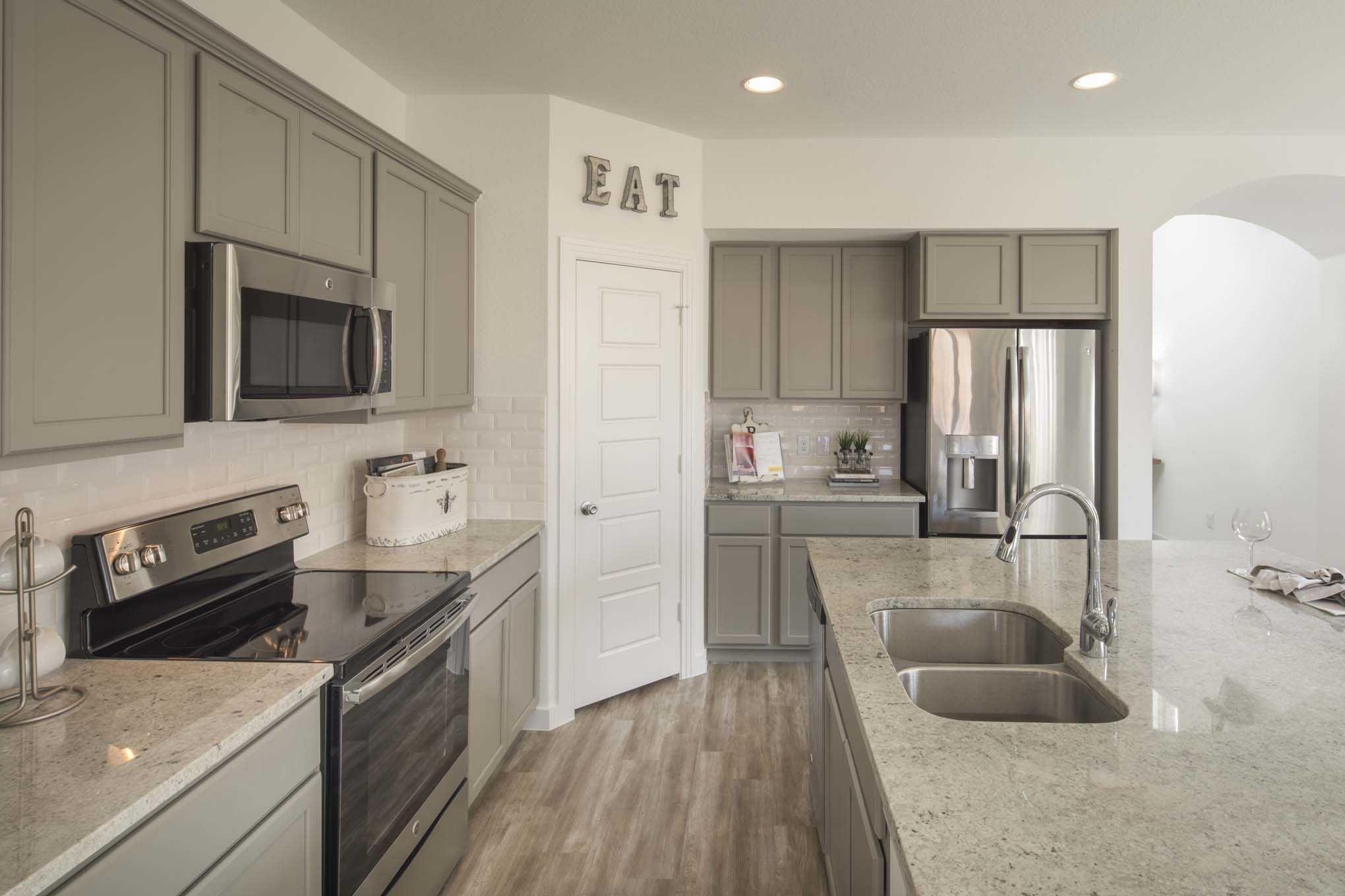 Highland Homes Windermere Model Home In Houston Texas Bridgeland Amazing New Model Kitchen Design Inspiration Design