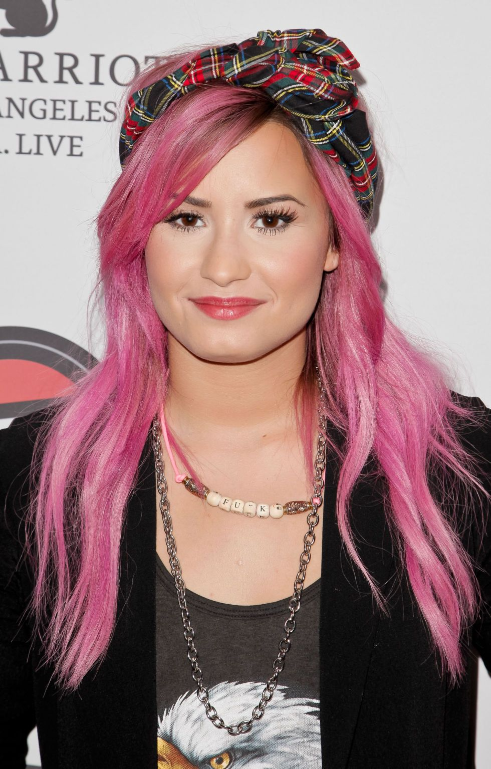 The Best Of Celebrities Trying To Make Pink Hair Happen Demi Lovato Pink Hair Demi Lovato Hair Blonde Hair Color