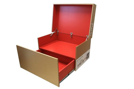 super populaire cb3b7 61af1 Boîte de rangement de chaussure géante à la main | cool ...