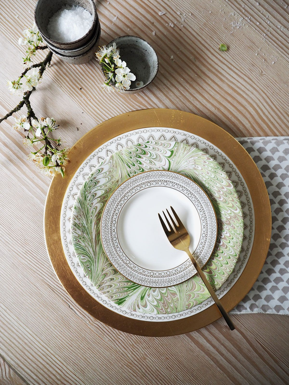 How To Mix \u0027n Match China for a Modern Registry - coco kelley & mixing and matching china for the perfect modern registry | coco ...