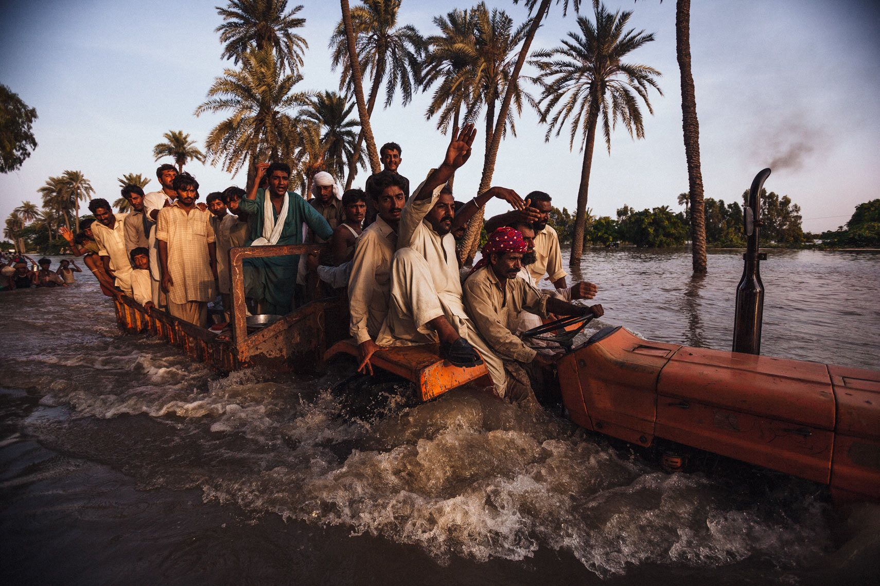 daniel berehulak - photojournalist | floods | 26