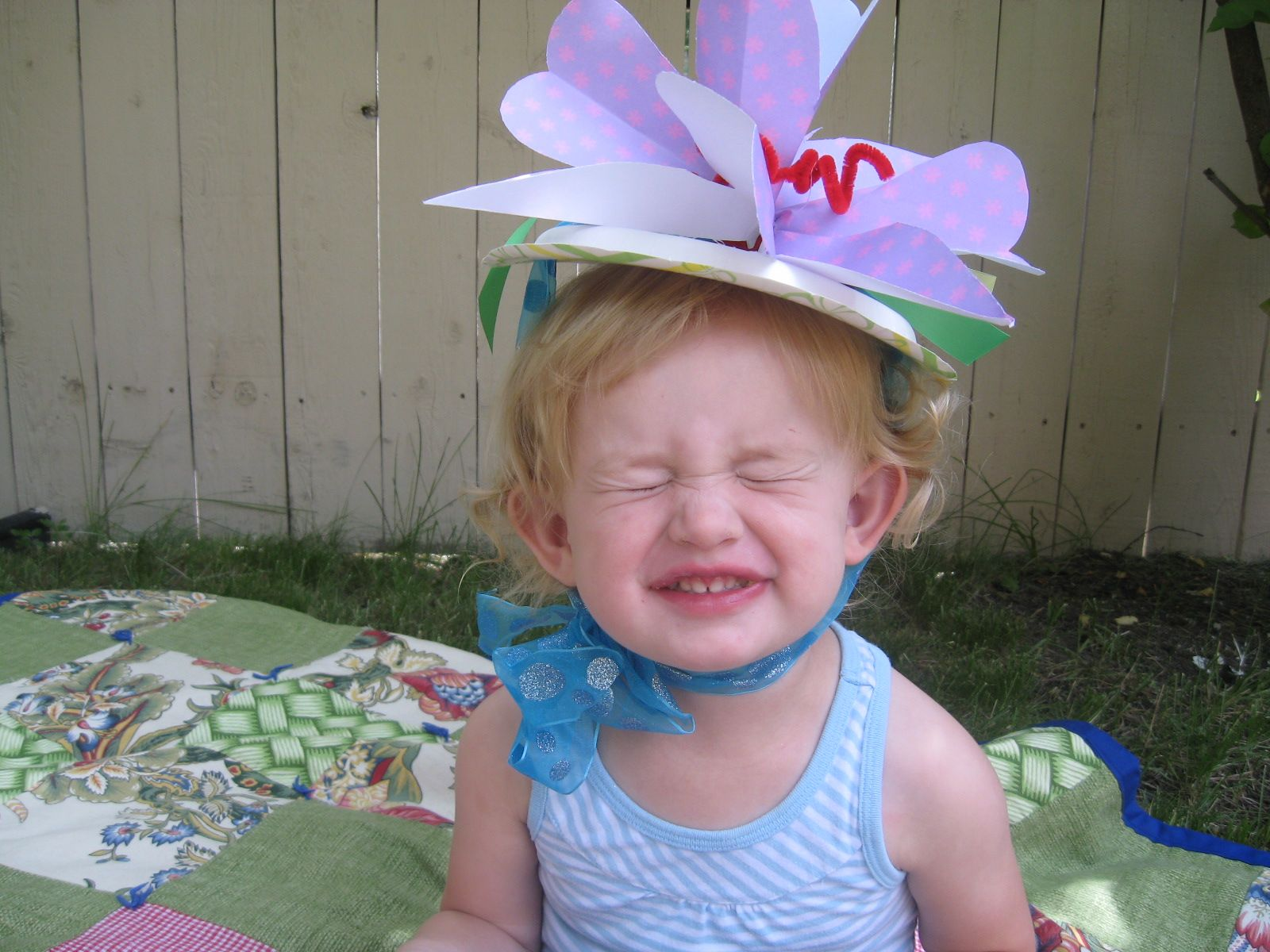 paper plate hats for fairy tea party. What canu0027t you do with a  sc 1 st  Pinterest & paper plate hats for fairy tea party. What canu0027t you do with a glue ...