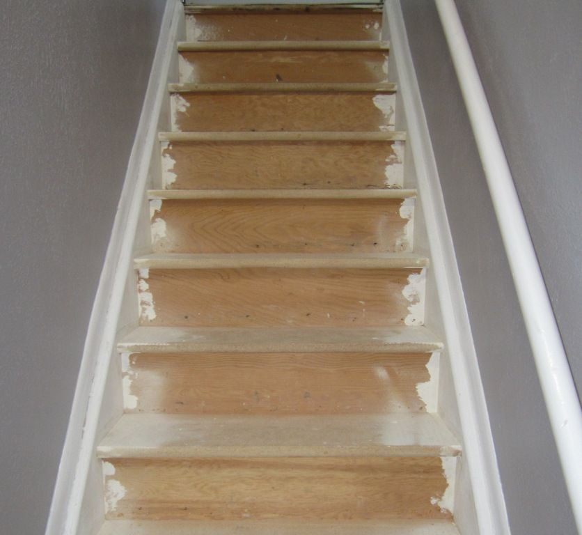 4 Diy Decorating Ideas For A Staircase: GIY: Goth It Yourself: Stairwell Redo