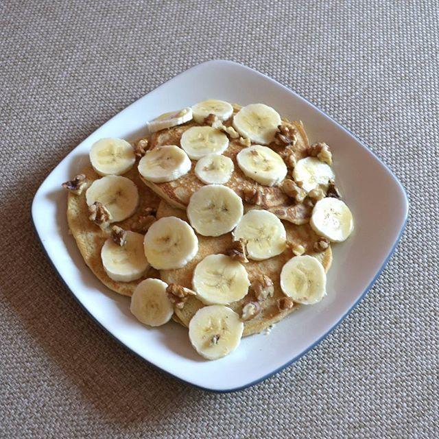 Cozy Sunday morning breakfast by the fire, perfect fuel for a beautiful fall afternoon of planting trees! 🍌☕🌱 🍁 . . . . #pancakes #banana #plantbased #comfortfood #organicfood #fruity #eathealthy #nourish #healthyeats #healthyactivelifestyle #nutritious #carbup #fitfoodie #foodisfuel #eatwell #fitfood  #healthyfood #cleaneats #eatforabs  #eatrealfood #freshfood #foodandwine #healthyfoodshare #happyfood #eeeeeats #beautifulcuisines  #healthyrecipes #breakfast  #bonappetit #healthybreakfast…