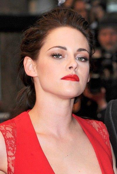 "Kristen Stewart Photo - ""Cosmopolis"" Premiere in Cannes// great make up"
