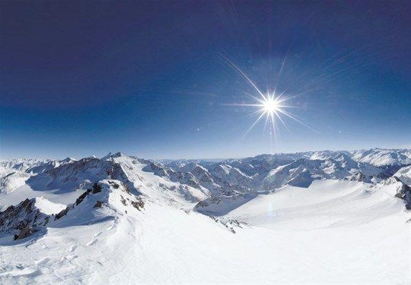 Sole e neve - una combinazione perfetta - 1 (© Stubaier Gletscher)