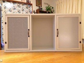 カラーボックスを 扉 で目隠し 100均 すのこdiy 作り方 取り付け方
