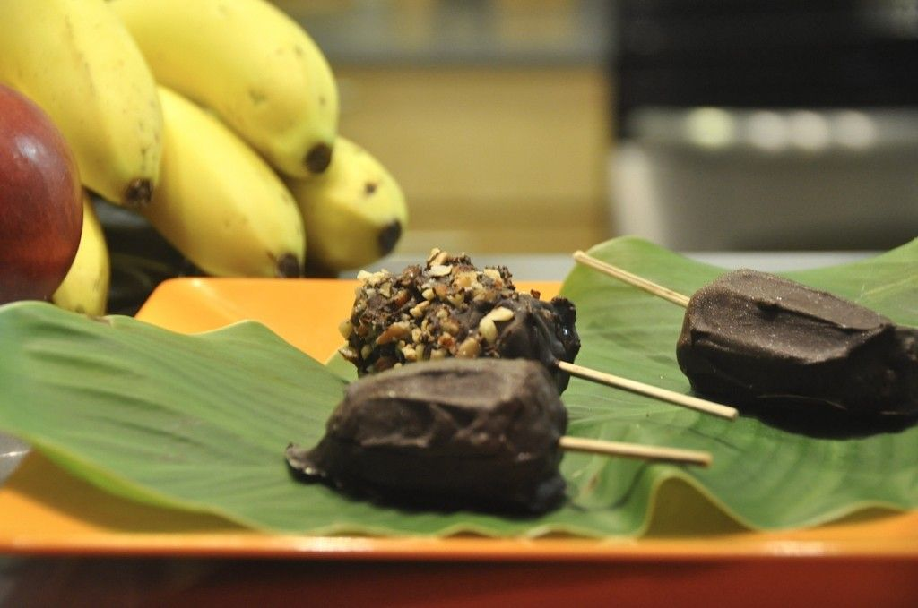 healthy homemade chocolate banana pops by living green with baby