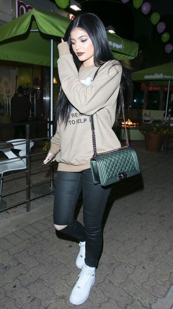 efacbbe86ed8 kylie jenner 7 | Kylie Jenner Outfits | Kylie jenner outfits, Kylie ...