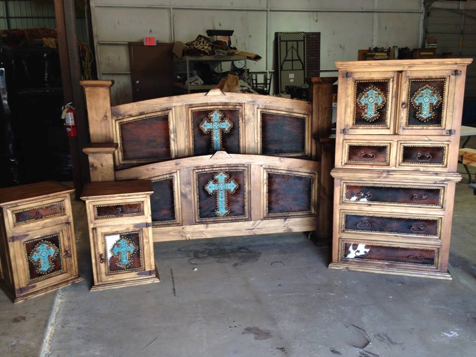 Turquoise Cross Mansion Bed Cowhidewesternfurniture 888 643 5117