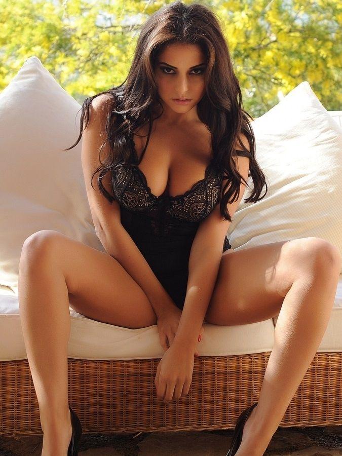 charlotte springer models - photo #7