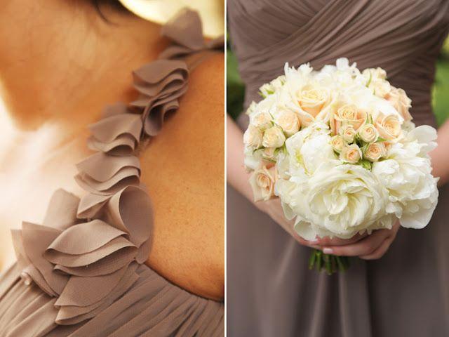 Ivory bridesmaids bouquet #VividExperiences #AngelaProffitt