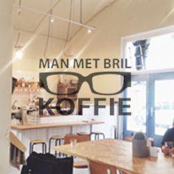 { Man met Bril Koffiebar, Rotterdam }