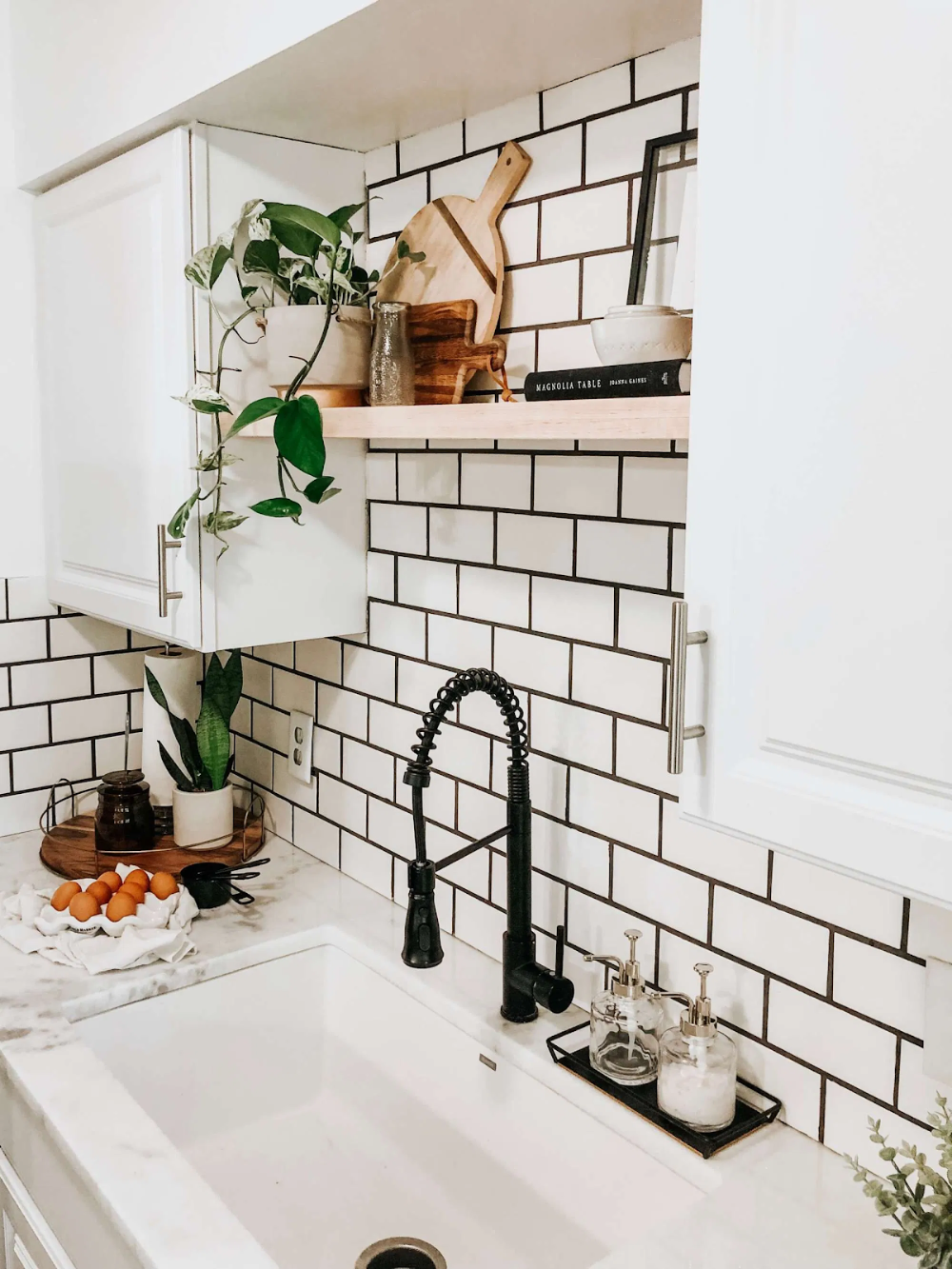 is subway tile still timeless everything you need to know in 2020 modern farmhouse kitchens on farmhouse kitchen tile floor id=97177