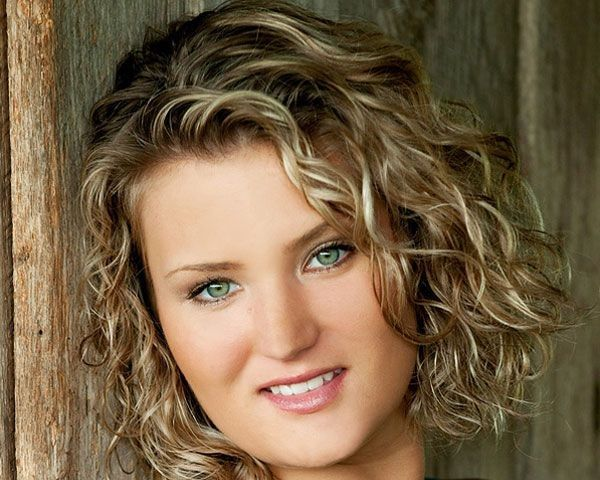 50 Plus Size Hairstyles To Try This Year Fine Curly Hair Short Curly Hairstyles For Women Curly Hair Styles