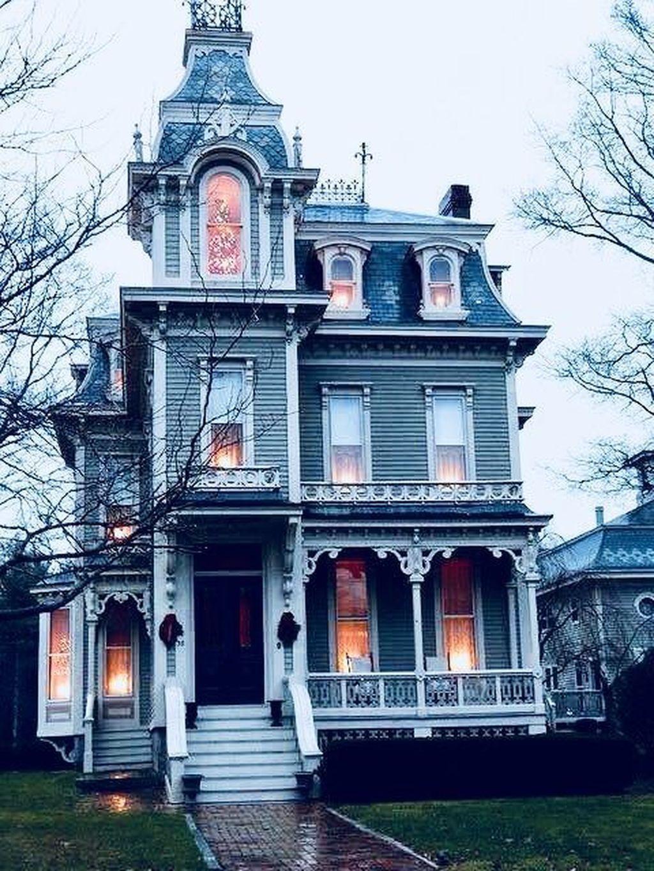 Stunning Victorian Farmhouse Exterior Design Ideas 24 Victorian Homes Exterior Gothic House Farmhouse Exterior