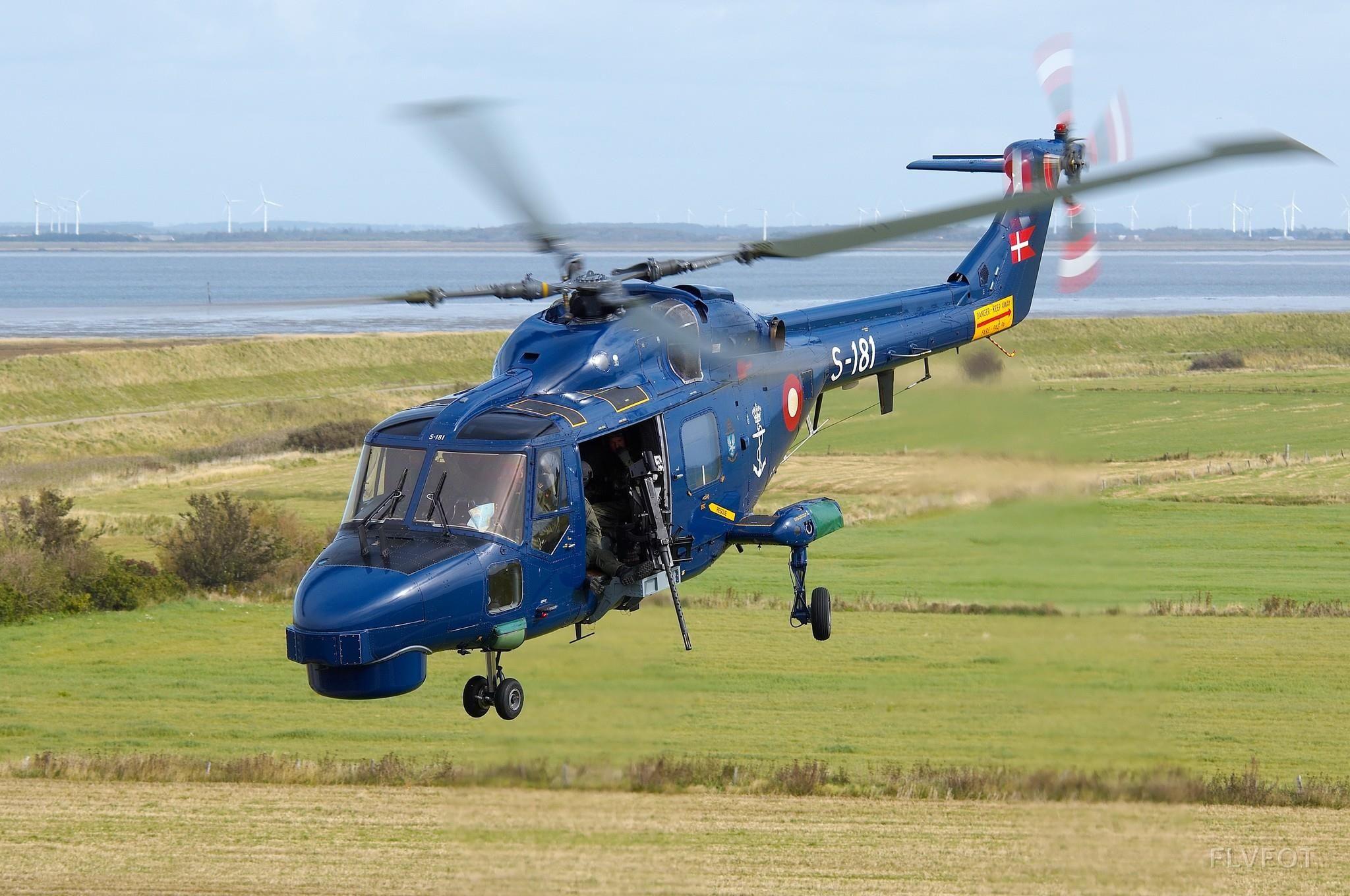 TMG (tung maskingevær) skydning fra Lynx Helikopter på Rømø. Flyvevåbnets Fototjeneste