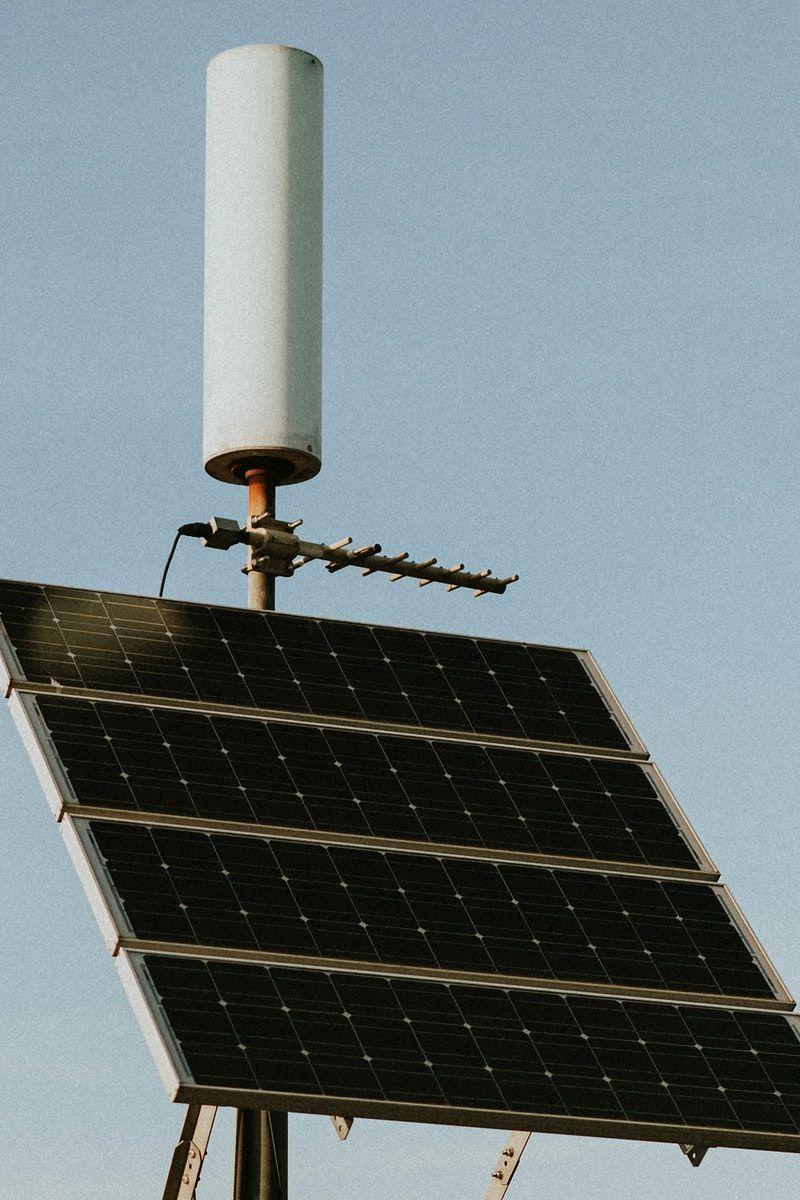 Solar Panels In The Californian Desert Free Image By Rawpixel Com Felix In 2020 Solar Panels Solar Solar Installation