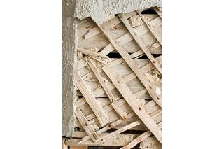 Many Older Houses That Have Lath And Plaster Walls Often Have Little Or No Insulation In The Walls Interior Wall Paint Plaster Walls Interior Wall Insulation