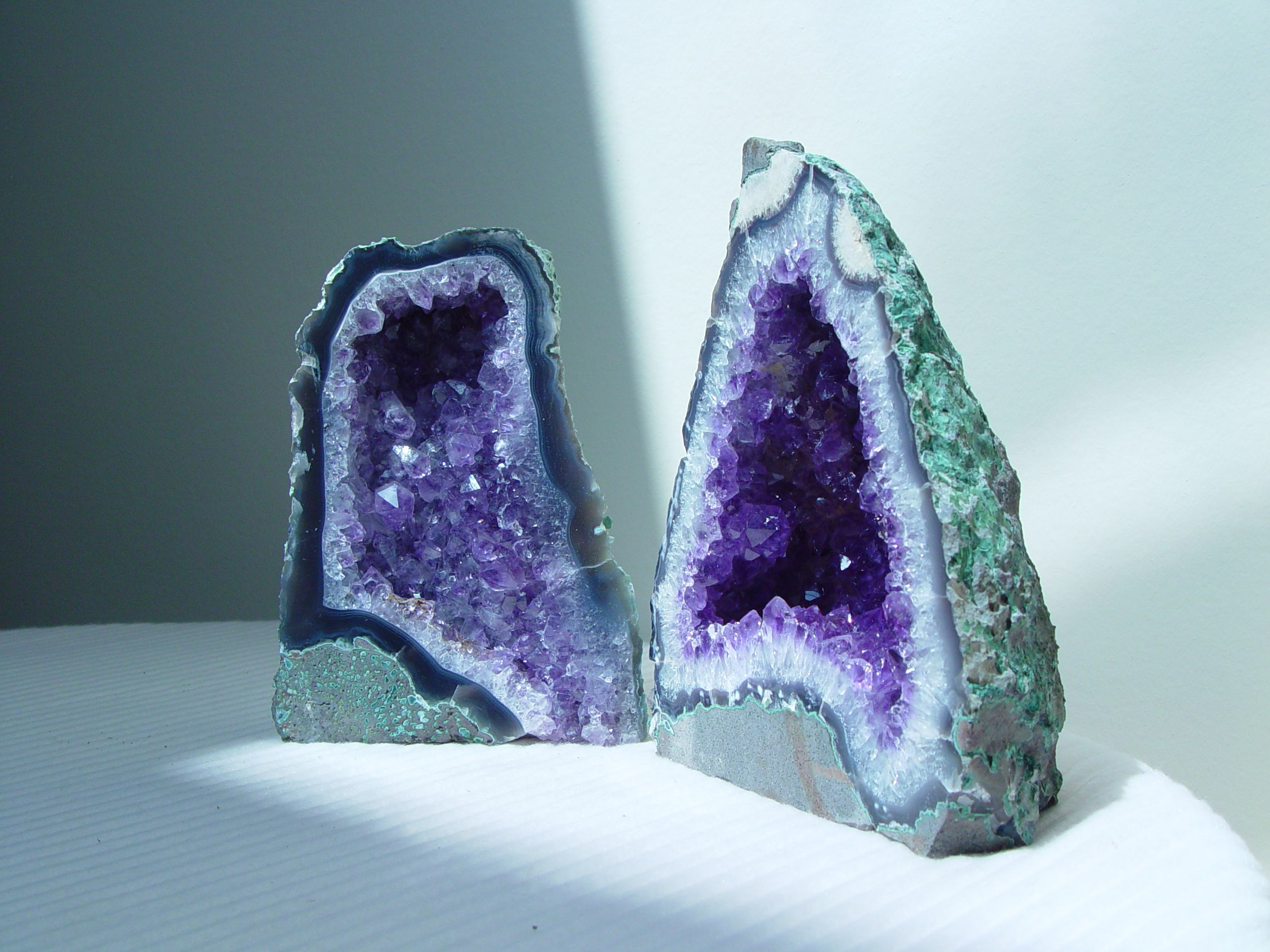 Decorative Quartz Rocks Manifest Large Unexpected Decorative Geodes And Crystals That Not