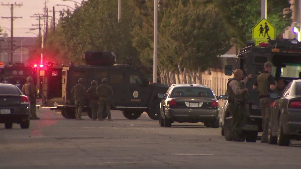Reported Shooting Of Sheriff S Deputy In Lancaster Was Hoax Lasd La County Sheriff Sheriff Deputy Lancaster