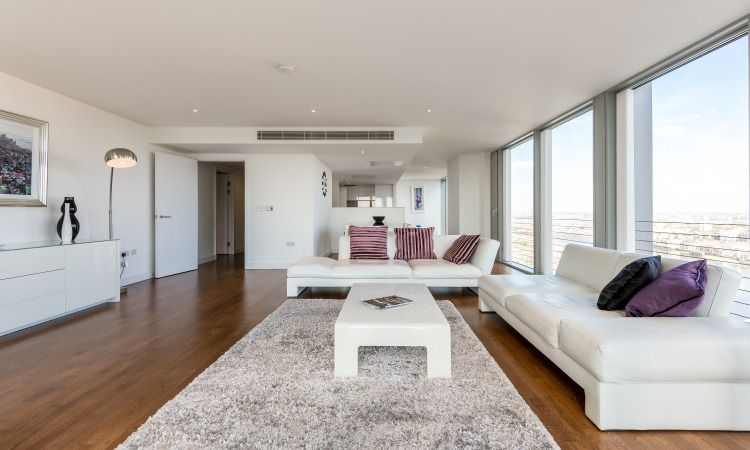 This Rental Property Has The Wow Factor 30th Floor 3 Bedroom Apartment With Views Spanning Over Canary Wharf And Greenw Flat Rent Property For Rent Property