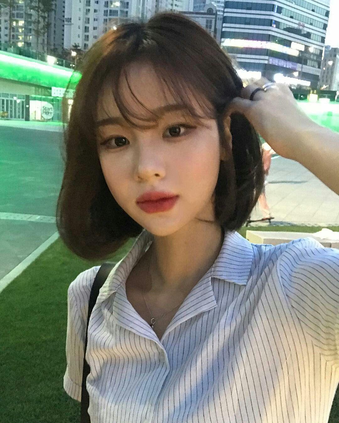 Pin By Arroyani Annisa On Klookz Asian Short Hair Short Hair With Bangs Korean Short Hair Bangs