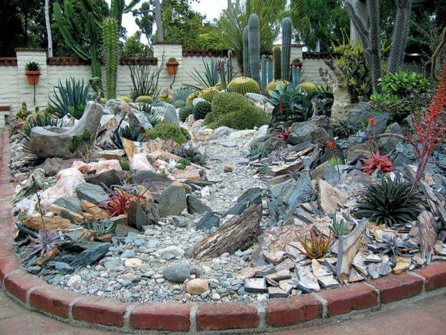 Steingarten Wüstengarten anlegen Beispiele Gestaltung Ideen ...