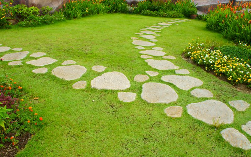Creating a garden path out of stepping stones is a way to truly create a look of your own. In this article you will see 15 different ideas that could make your garden path really stand out. Each of them is different, and different design ideas will appeal to each individual differently. Some will prefer …