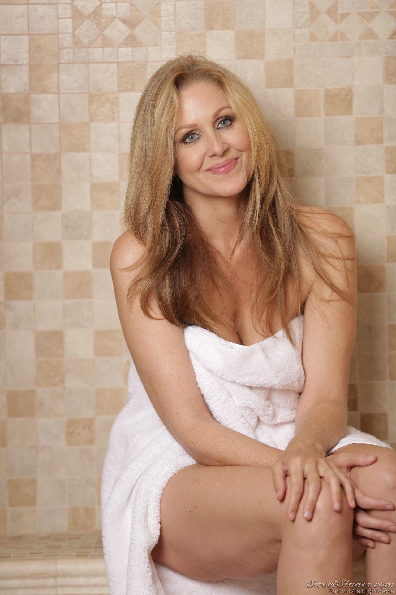 Speaking, would julia ann blonde beauty authoritative