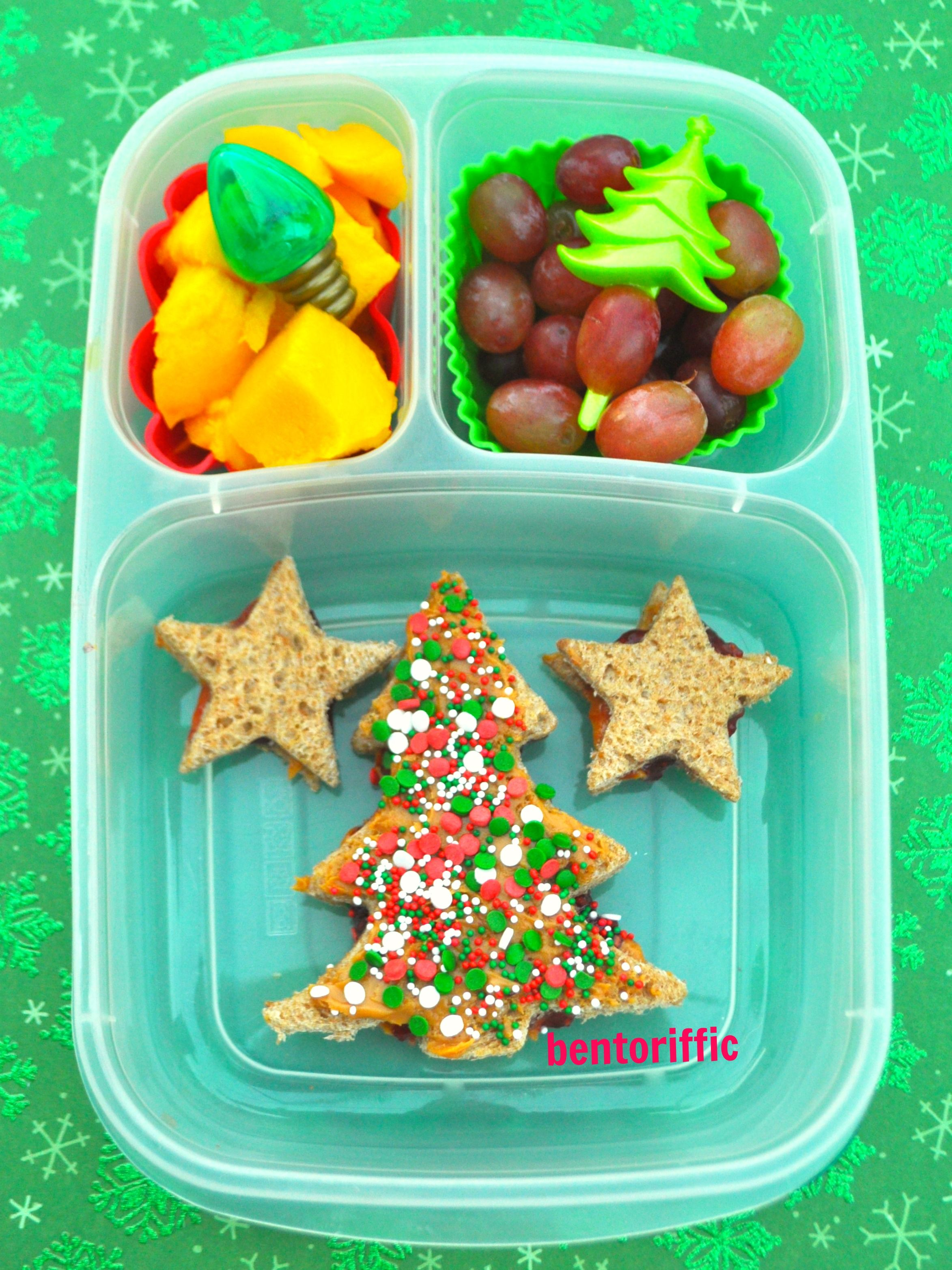 Sprinkle Christmas tree in an #EasyLunchboxes container