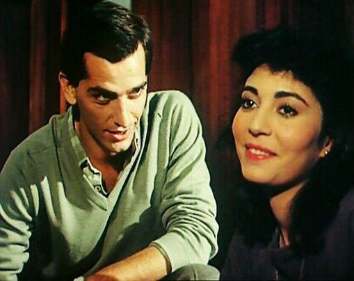 هشام سليم مع عزة جمال - تزوير فى أوراق رسمية 1984 | Arab actress, Singer, Old movies